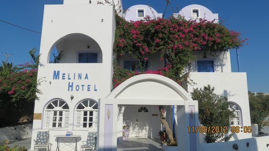 Melina Hotel: Front of Hotel