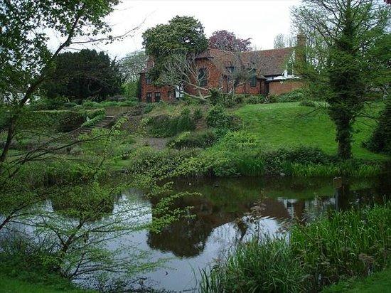 Southchurch Hall Gardens