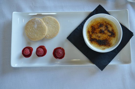 Ash Grill Restaurant: Homemade Shortbread with White Chocolate Creme Brûlée