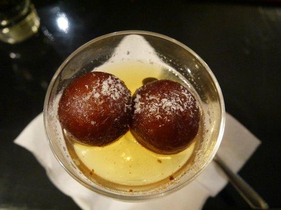 Zaika Indian Bistro & Bar: gulab jamun
