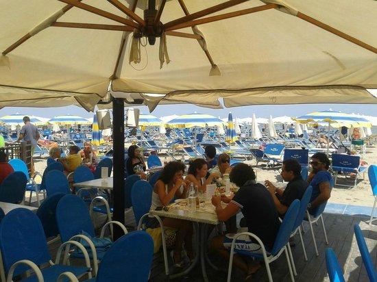 Bagno pino beach 285 milano marittima omd men om - Bagno dario milano marittima ...