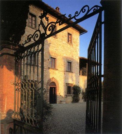 Castello di Fonterutoli: ingresso villa di famiglia