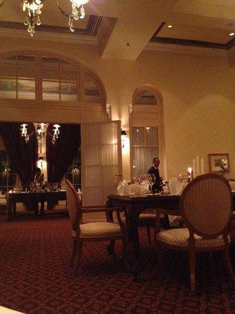Raffles Hotel Le Royal: French restaurant