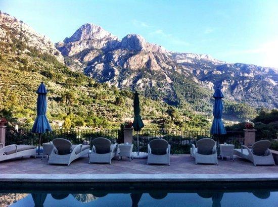 Hotel Apartament Sa Tanqueta: pool view
