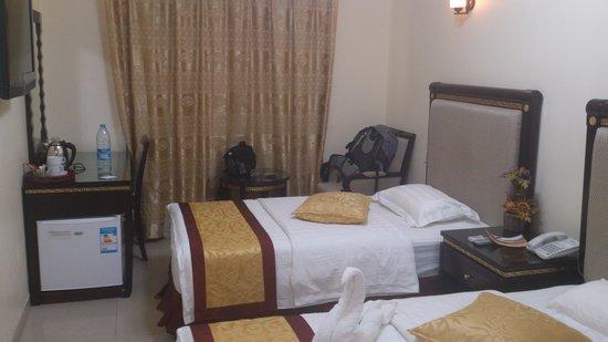 Cedar Hotel: Room