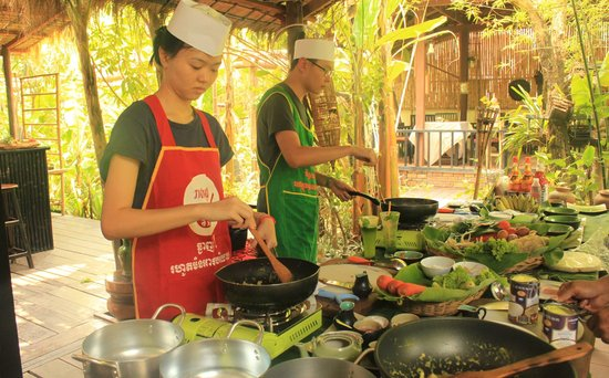 Khmer Dining Cuisine: cooking class