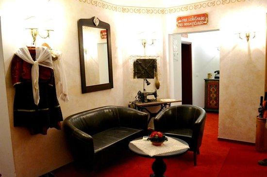 Gostilna Lectar: 2nd floor lobby