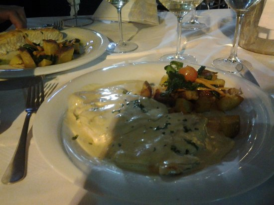 Al Medina : chicken with bechamel sauce