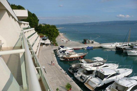 Le Meridien Lav Split: Superior Sea View 4 Etage Ausblick auf Marina - an Balkons entlang