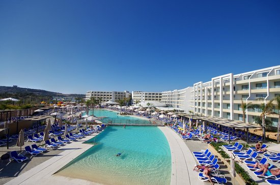 Mellieha Bay Hotel Reviews