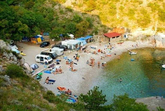 Camp Ujca: overview