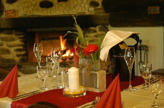 Hotel Künstleralm: Dining in Schistadl