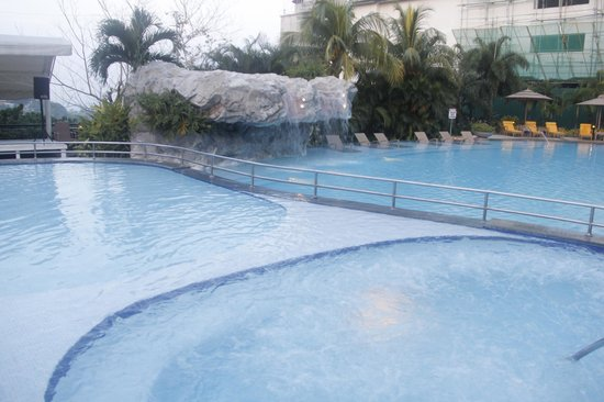Marco Polo Plaza Cebu: Swimming pool
