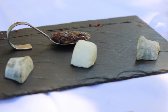Auberge de l'Aiguebrun : Assiete di formaggi tipici