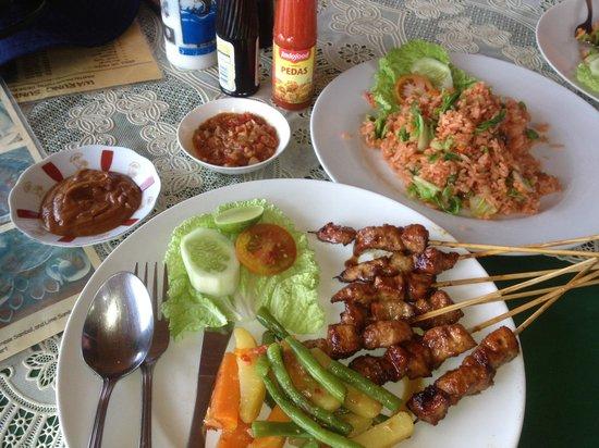 Warung Boni: Satays