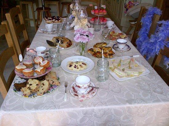 Sika Lodge B & B : Afternoon Tea
