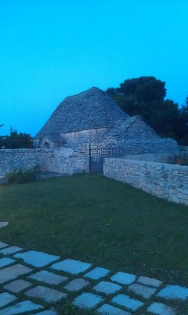 Trulli Paparale: Huge Trullo used for storing the bycycles