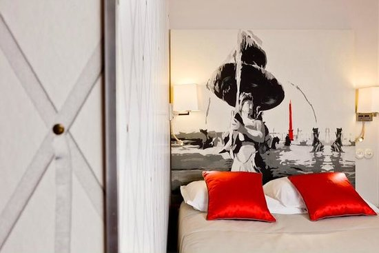 Hotel Harvey: Opera standard room renovation 2013