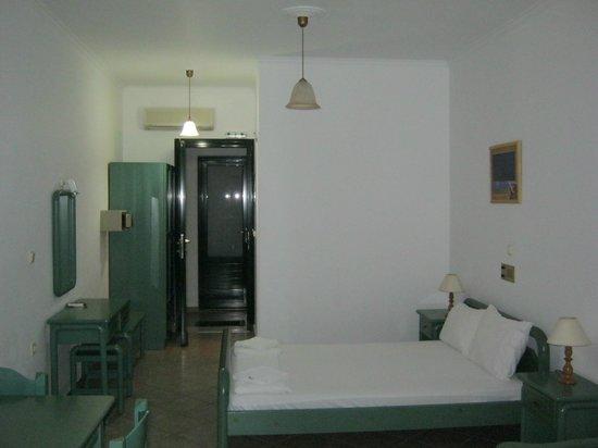 Hotel Sirios Kathisma: Room