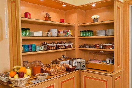 Hotel Harvey: Buffet  breakfast