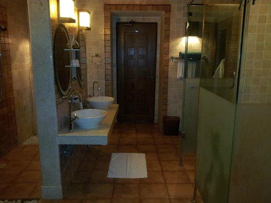 Bandos Maldives: Bathroom