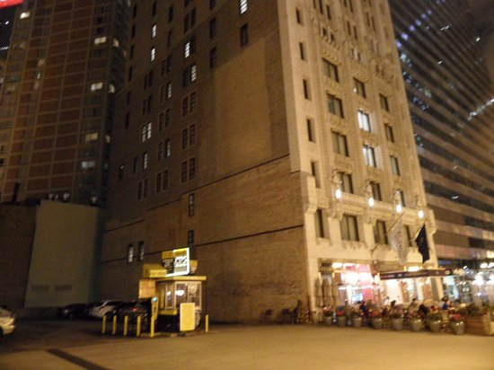 Club Quarters Hotel Chicago Parking