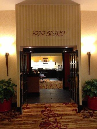 10 Restaurants Near Hilton Fort Wayne at the Grand Wayne Convention ...