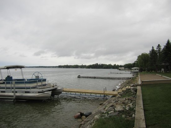 Grand Lake Resort: lakefront