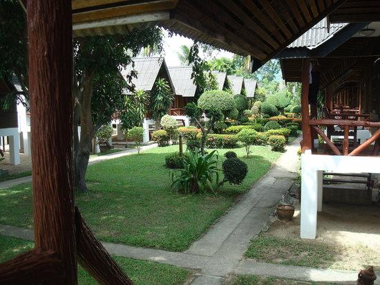 Shangri-La Bungalows: Garden View