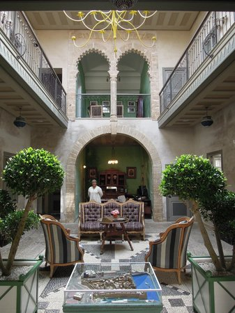 L'Iglesia El Jadida/ Hall de la Capitainerie