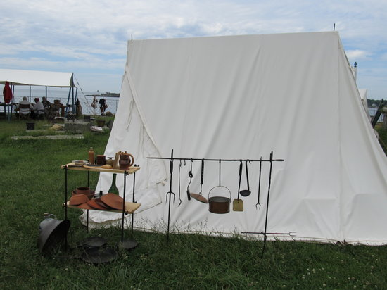Army tent at the reenactment - Picture of Fort McClary State