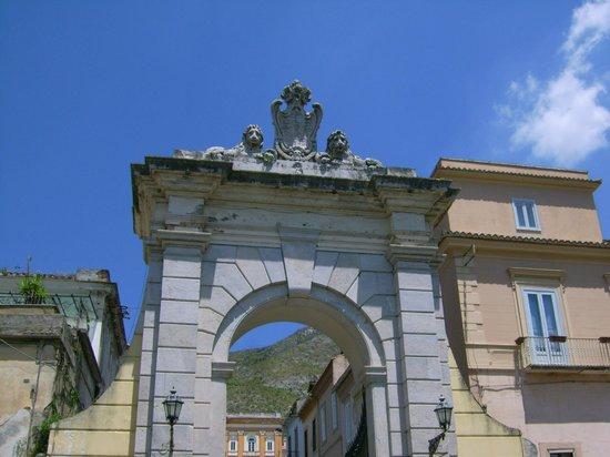Arco Borbonico