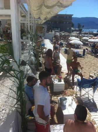 Nisos Beach Bar