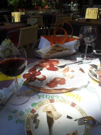 Hotel Vina del Mar Pineta: ...quel che resta della degustazione di prodotti tipici Umbri