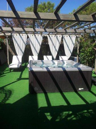 Hotel Vina del Mar Pineta: Zona Idromassaggio riservata con gettoni