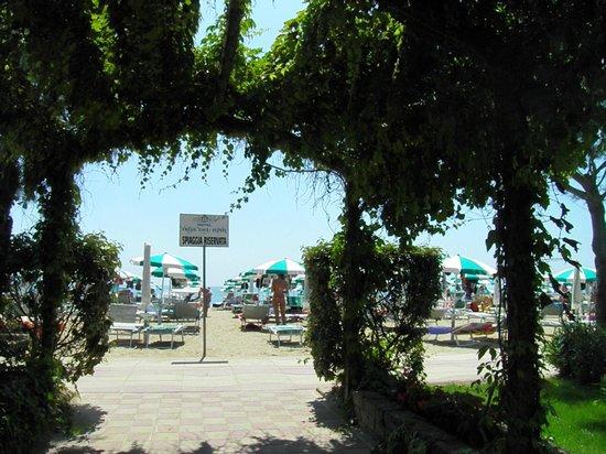 Hotel Vina del Mar Pineta: Accesso alla spiaggia