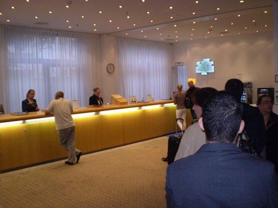 Holiday Inn Berlin City-West: reception