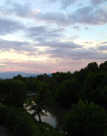 Appleview River Resort: Beautiful sunset from our balcony
