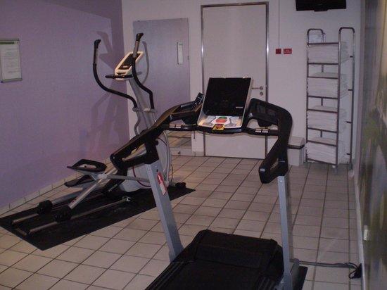 Holiday Inn Berlin City-West: gym2
