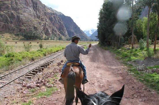 Hacienda del Chalan: Vias camino a Ollantaytambo