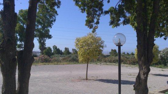 Samarcanda: cortile parcheggio