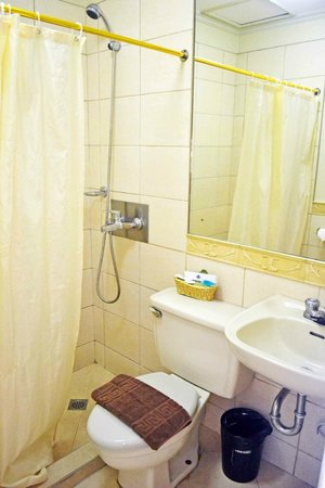 Fernandina 88 Suites Hotel: 2nd bathroom (2bedroom suite)