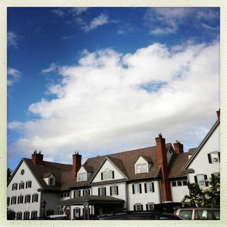 The Essex, Vermont's Culinary Resort & Spa: beautiful inn