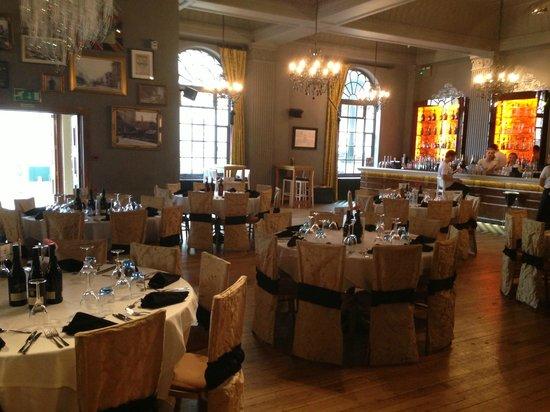 Grand Cafe: Restaurant setting