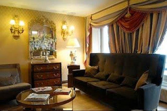 Hôtel des Deux Continents : Salon