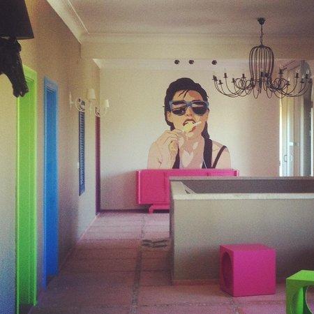 Curcuna Otel: Koridor