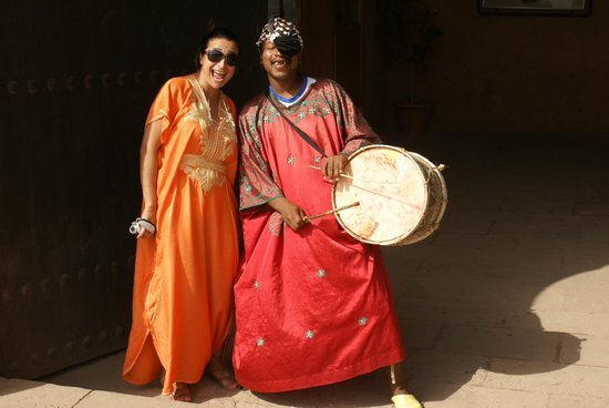 Morocco Extra Tours - Day Tours: Pregonero bereber.