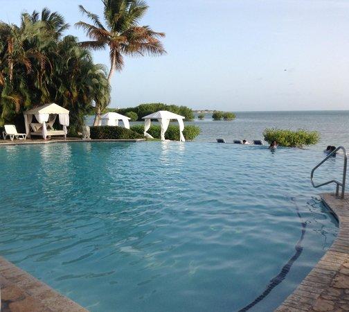 Grand Bahia Ocean View Hotel: Vista de la piscina