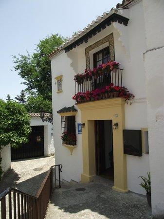 Hotel Ronda: L'entrée de l'hôtel