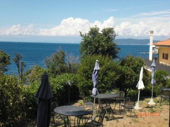 Punta Dei Barbari Residence: Vista dalla cucina dell'appartamento